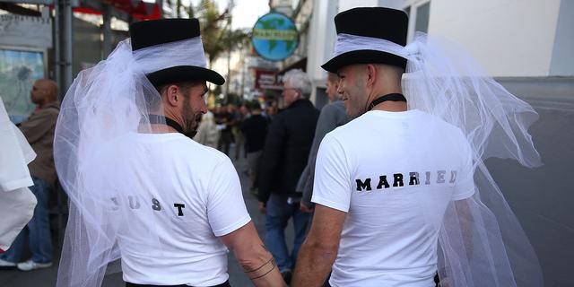 Lesbiennes scheiden twee keer vaker dan mannelijke homostellen