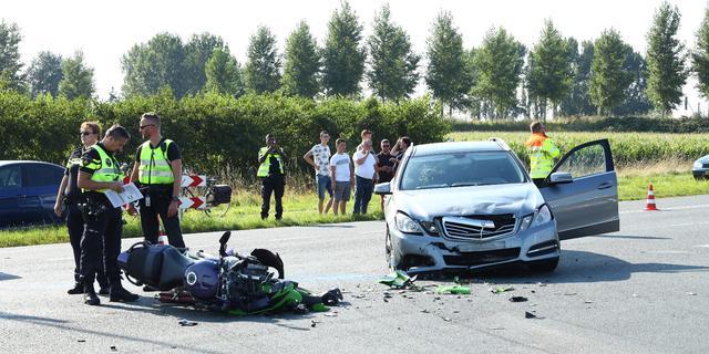 Motorrijder raakt gewond bij verkeersongeval in Kruiningen
