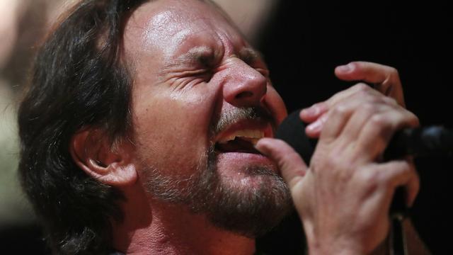 Recensieoverzicht: 'Pearl Jam stijgt boven zichzelf uit in toegift'
