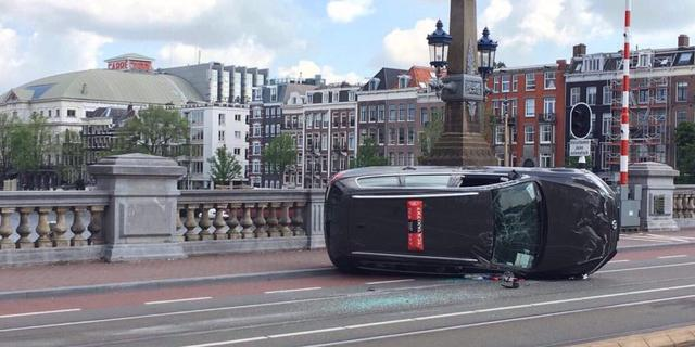 Tramlijnen 7 en 10 gestremd door ongeluk op Sarphatistraat