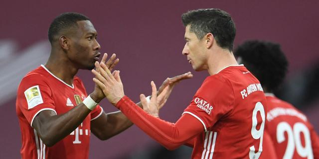 Bayern op valreep langs Dortmund na snelle 0-2-achterstand, Haaland valt uit