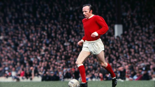 Nobby Stiles in 1969 in actie namens Manchester United.