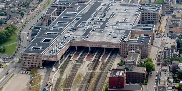 Taxistandplaats centrumzijde station nu ook in gebruik
