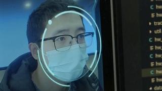 Chinese technologie herkent gezichten met mondkapjes