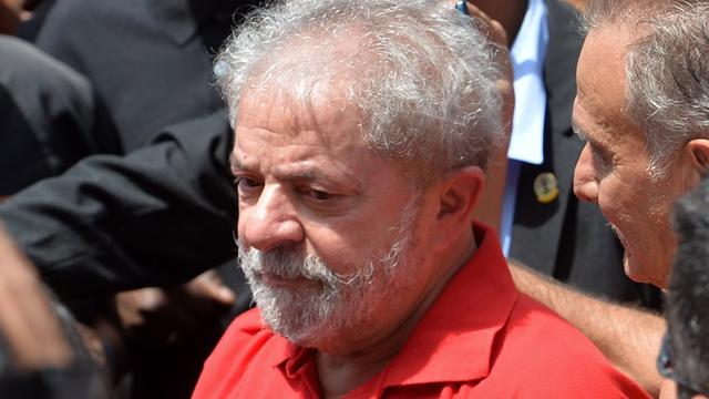 Hof bepaalt dat Braziliaanse oud-president Lula vast blijft zitten