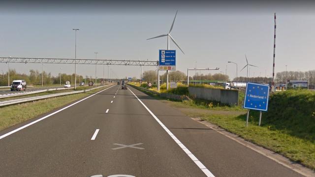 Duo betrapt met 30.000 euro onder kleding bij grensovergang Hazeldonk