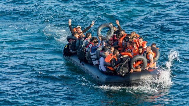 Italiaanse kustwacht redt 2.200 bootvluchtelingen uit zee