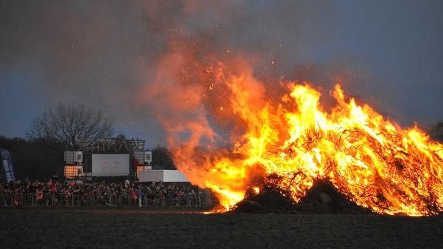 Brandlucht in provincie door paasvuren in Duitsland