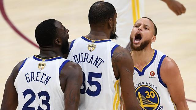 Warriors dicht bij titelprolongatie NBA na derde zege op Cavaliers
