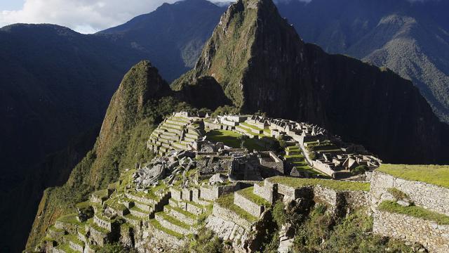 Peru deporteert toeristen vanwege vandalisme en poepen in Machu Picchu