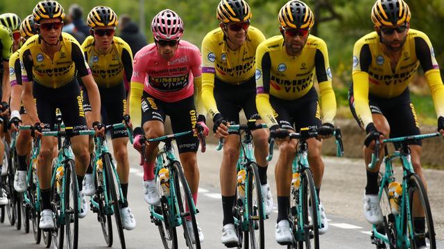 Roglic vindt het prima dat hij stress van roze trui kwijt is in Giro