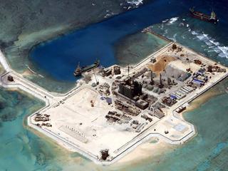 Amerika stelt met beweging territoriale claims van China in het gebied aan de kaak