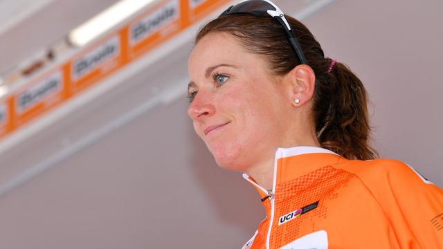 Van Vleuten wint ondanks verkeerde afslag ook tweede rit Boels Ladies Tour