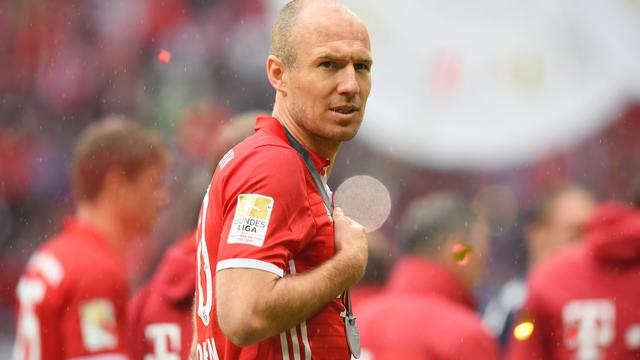 Robben lacht om geruchten over transfer naar Besiktas