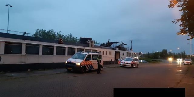 Politie arresteert inbrekers op partyboot Markkade in Breda