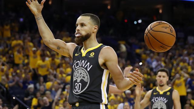 Record Curry helpt Warriors aan 2-0 voorsprong in NBA-finale
