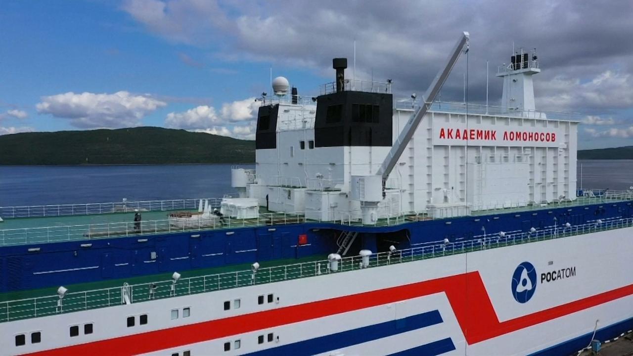 Russen sturen 'nucleaire Titanic' de zee op