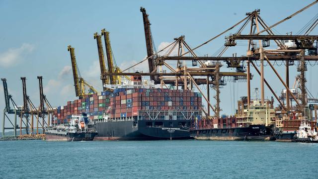 Noodlijdende rederij Hanjin krijgt lening om gestrande containers te lossen