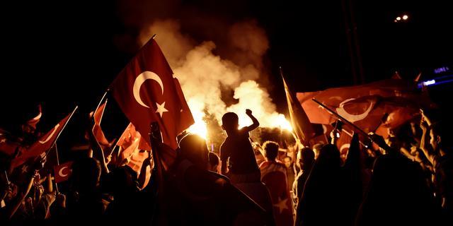 Nederland verleent asiel aan eerste Turken die vluchtten na coup