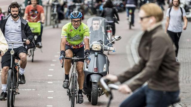 'Minder ernstige ongevallen met snorfietsers sinds fietspadverbod'