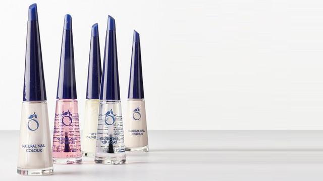 42 procent korting op Herôme Natural Nails Set met make-up tasje