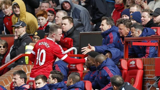 Van Gaal ondanks winst kritisch op 'traag' United