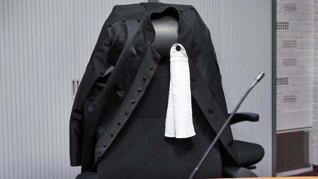 Man veroordeeld tot 7 jaar cel voor neersteken schooldirecteur Dordrecht
