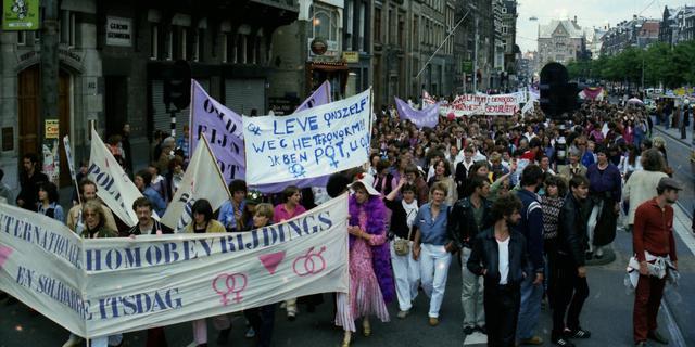 'Nederlanders hebben scheef zelfbeeld over acceptatie van lhbti'ers'