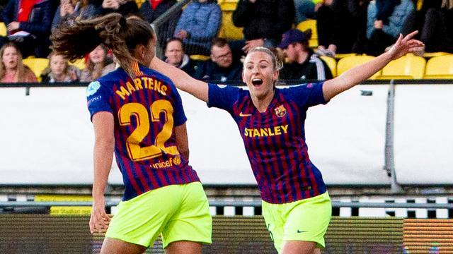 Martens leidt Barcelona met doelpunt naar halve finales Champions League