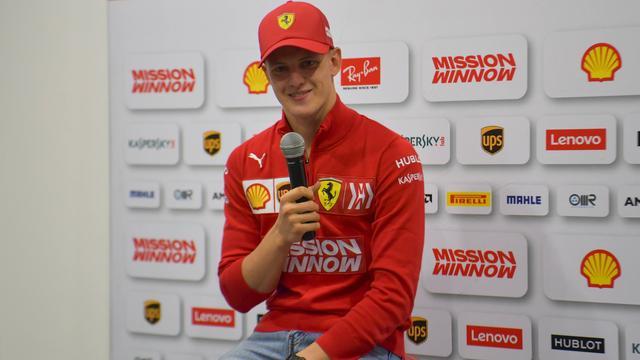 Schumacher wil pas naar Formule 1 als hij 'complete coureur' is