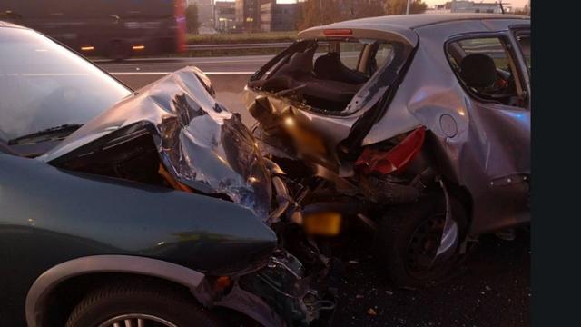 Een gewonde bij botsing tussen vijf auto's op de A9 in Zuidoost