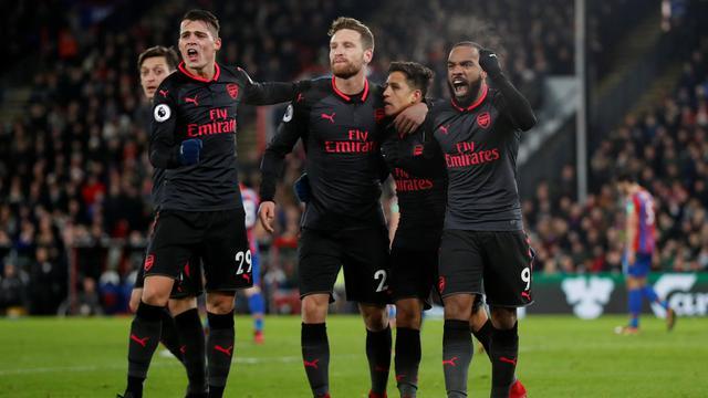 Arsenal houdt top vier in zicht door winst bij Crystal Palace