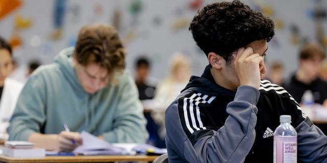 Veel middelbare scholen blijven maandag nog gesloten voor leerlingen