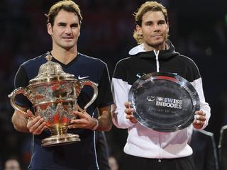 Tennisiconen nemen het tegen elkaar op in Melbourne
