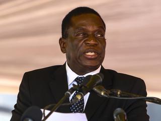 Mnangagwa wil nog niet terugkeren naar Zimbabwe uit angst voor eigen leven
