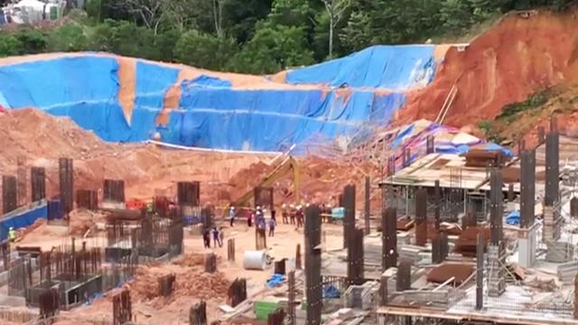 Bouwvakkers bedolven onder puin door aardverschuiving in Maleisië