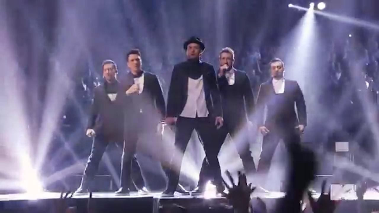 Bekijk hier de reunie van *NSYNC tijdens de VMA Awards in 2013