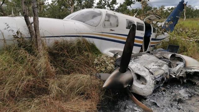 Door cocaïne te zwaar beladen vliegtuig stort neer in Papoea-Nieuw-Guinea