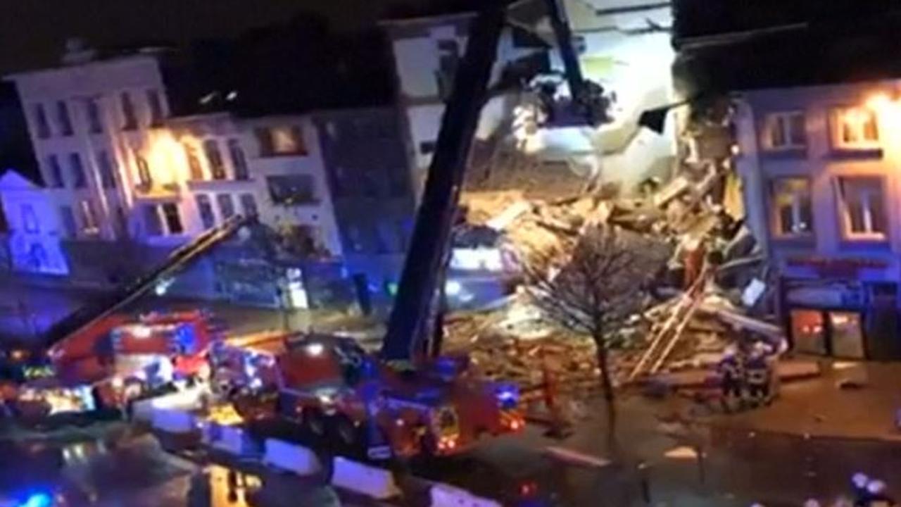 Omstanders filmen ravage na explosie in gebouw Antwerpen