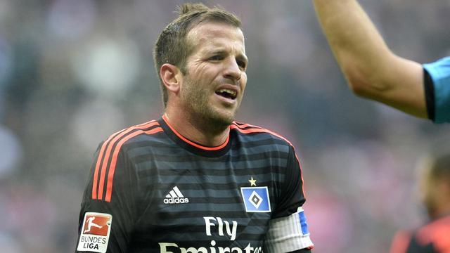 Degradatie dichtbij voor Van der Vaart na verlies met HSV in Stuttgart