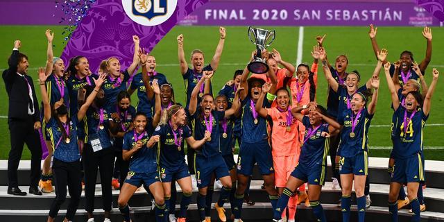 Lyon verovert met invaller Van de Sanden vijfde Champions League op rij