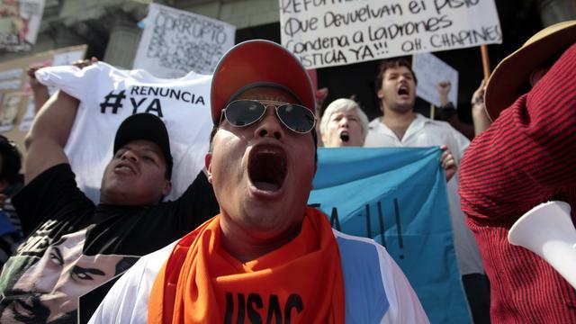 Betogers Guatemala eisen aftreden president