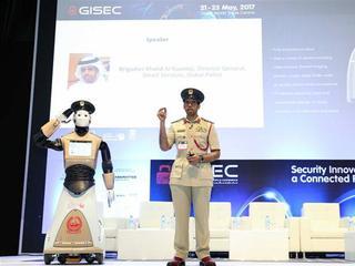 Burgers kunnen met de robot aangifte doen en boetes betalen