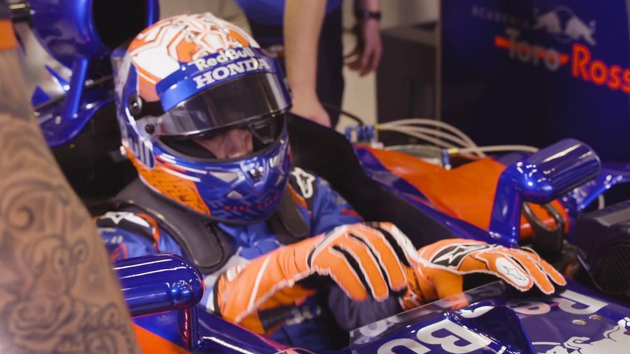 MotoGP-kampioen Marquez kruipt achter stuur F1-wagen