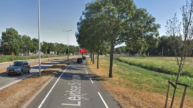 Twee gewonden na botsing drie auto's Leidse Schouw