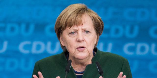 Merkel hekelt Turks misbruik arrestatiebevel voor Duitse schrijver