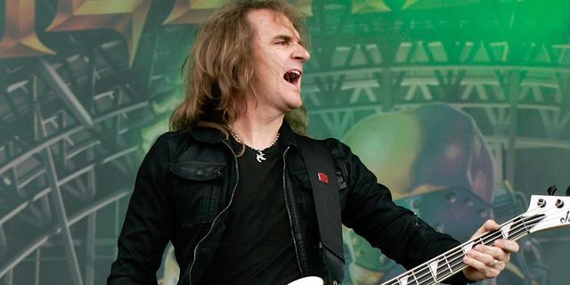 Megadeth-bassist had webcamseks met Nederlandse, klaagt verspreider beelden aan