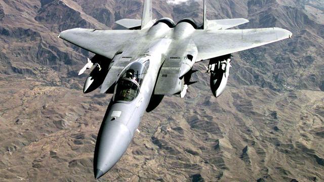 Twaalf Amerikaanse straaljagers naar Europa voor oefening