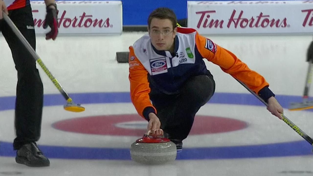 Bekijk het winnende punt van het Nederlandse curlingteam tegen Rusland