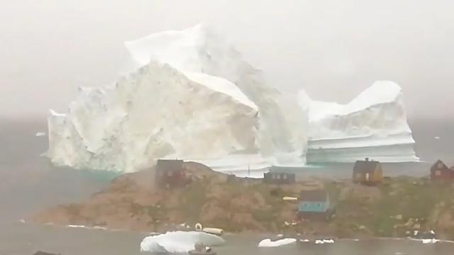 Timelapse: Groenland vreest tsunami door passerende ijsberg
